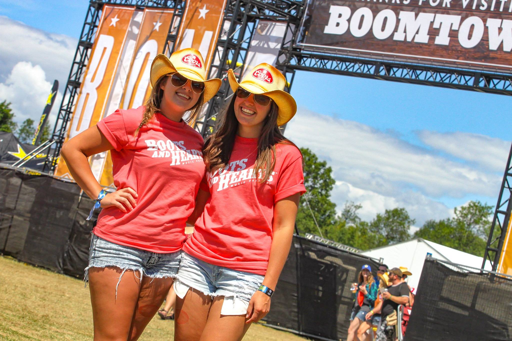PHOTO: Concertgoers at Boots and Hearts Music Festival
