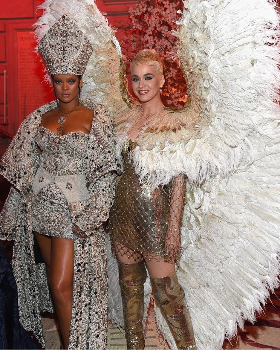 The Best Moments Of Katy Perry S Met Gala Hamburger Outfit: Rihanna Katy Perry Met Ball 2018
